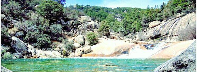 Piscinas naturales madrid entretente con for Piscina natural riosequillo